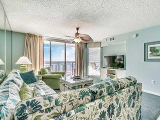 Crescent Shores, 4 Bedroom Beachfront Condo, Hot Tub and Free Wi-Fi!