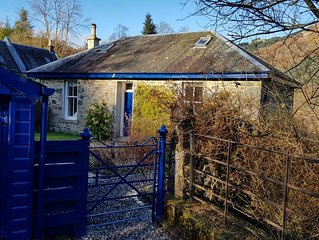 Loch Dhu Cottage, newly restored in the Trossachs 7 miles to Aberfoyle