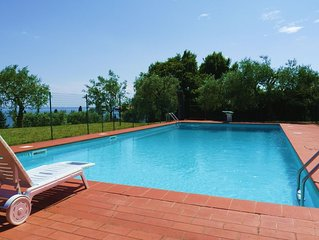 VILLA ANNA stunning view of the Lake  Exclusive private swimming pool and garden