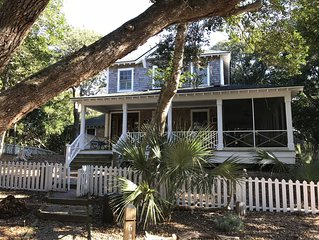 Gorgeous 4 Bedroom Home In Cape Fear Station