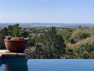 Infinity Edge - Luxury Lake View, Heated Infinity Edge Pool & Chef Kitchen