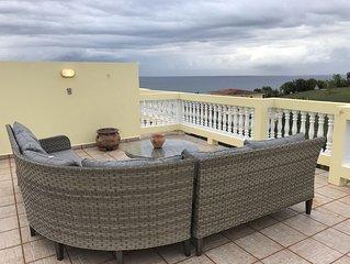 Puntas Penthouse w/Private Rooftop Deck, Ocean Views, WiFi, Pool