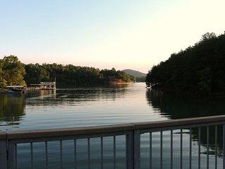 5 Bdrm ~ Fantastic View from Dbl-Decker Dock ~ Sleeps 14 MAX