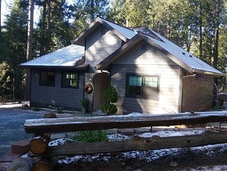 Custom new home on 3 acre secluded spacious with jacuzzi tub.10 min  Nevada City