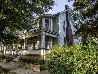 1850 Inn ~ 15 minutes  to Hocking Hills and Ohio University.  5m Hocking College