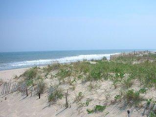 Walk to Beach & Town!