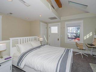 Cozy 2 Bedroom Mt Adams Apartment with river view