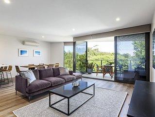 Blairgowrie Apartment 2: on the beach + linen