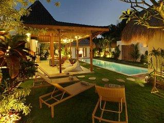 Villa Thiara Oberoi Seminyak 500m Kudeta beach