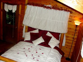 Country Charm - A Romantic Getaway For Couples!