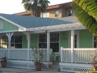 Tradewinds Resort- Cottage Rental King bed -Daily/ Wkly Specal