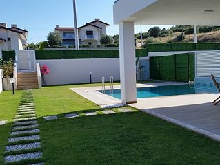 Furnished Villa with Pool and Garden  ++Your Holiday Home from Home++