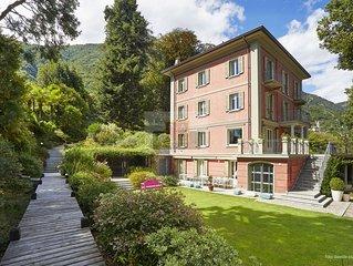 Extraordinary Villa in a unique park and indoor swimming pool