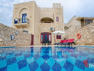 Sara Holiday Home with private pool, tranquillity and amazing nature view: Gozo