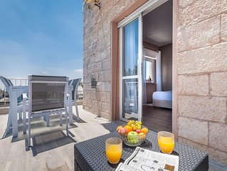Keren Hayesod - Two Bedroom Apartment, Sleeps 5
