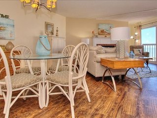 BC2402: Drink in the Beauty of the Gulf at this Charming  Beachfront Condo