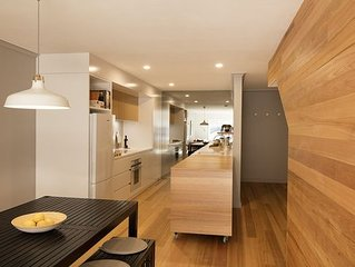 Architecturally Designed 2 Bedroom Apartment
