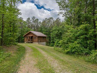 Beautiful cabin on 80 acres close to Old Man's Cave