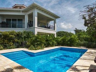 Karana Luxury Penthouse Loft - On Beach - Ocean Views & Breeze - Pool - Privacy