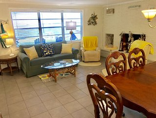 Sleeps 4-5 Watch dolphins & manatee from our yard 1/2 blk to beach/rest'rants