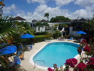 Lovely 2 bedroom apartment by beach, Rockley Resort