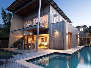 The Dunes - Beachfront Holiday House with a touch of luxury close to Coolum