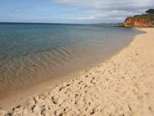 MORNINGTON BEACH APARTMENT- directly opposite the beach with great views.