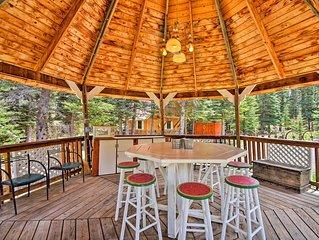 Cottage w/Gazebo & Deck on Red River - Near Ski!