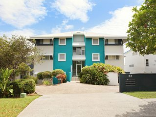Unit 1 On The Park, Frank Street Coolum Beach: WIFI, 400 Bond, LINEN INCLUDED