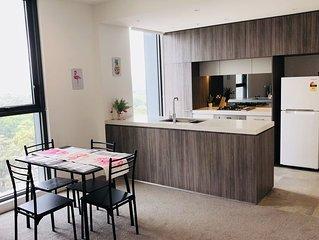 'The Flamingo'-Brand New Executive Apartment