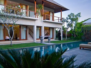 4 Bedroom Pool Villa Relaxing 250m from beach, daily staff service!