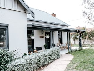 "'Normandie Cottage Mudgee"" 1930s home in the heart of town! Pet Friendly"