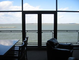 Best View Waterfront Penthouse Condo Minutes from Cedar Point