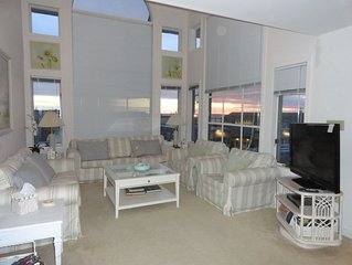 4 Bed Room Luxury Condo located in the Heart of Beach Haven