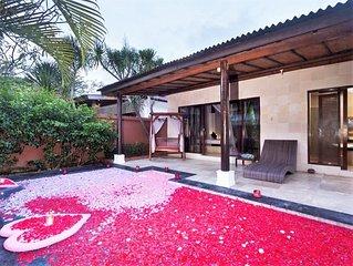 Honeymooner Villa in Kuta Near Airport