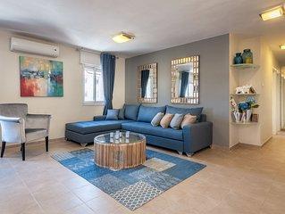 Heletz - Two Bedroom Apartment, Sleeps 6