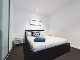 A Homely CBD Suite Near Southern Cross + FREE WiFi