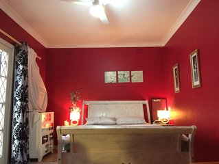 master bedroom with ensuite in frankston walk to cbd, updated bathroom & kitchen