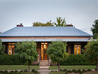 CAWARRA ON THE PARK - HISTORIC ELEGANT HOME GROUP ACCOMMODATION, HEART OF MUDGEE