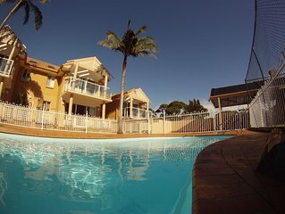 Mollymook Sands - Unit 14.  Linen provided.  Walk to cafes, shops and beach.