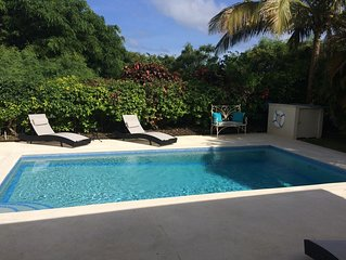 Luxury Holiday 3 bedroom Villa w/ private pool & a/c.  Sleeps 6-8