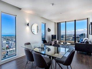 Luxury 3-BR Penthouse+Netflix+Seaview!