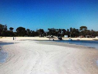 930 Big House OnTheBeach-30 metres Beach/Shops/Pub/Resturants-Leave Car Behind