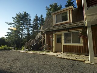Anna's Butterfly Cottage Apartment in Acadia