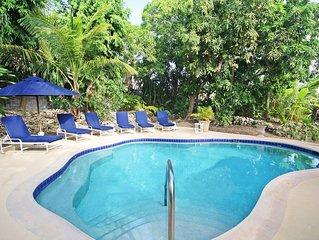 Poolside Paradise Near Beach - Pavilion Villa