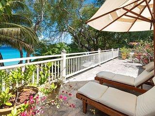 Luxury Beachfront Smart-Villa with Pool - Latitude