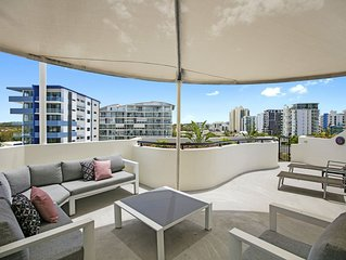 Private Rooftop BBQ 2 Bedroom Beach Apartment - Caribbean Resort Mooloolaba