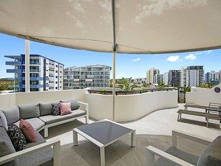 Private Rooftop BBQ 2 Bedroom Beach Apartment - Caribbean Resort Mooloolaba