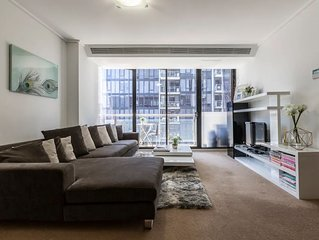 Modern 2-Bedroom * Southbank & Crown Casino *FREE PARKING + WIFI*