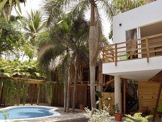 Casa Bonita: Private Oasis in Charming Beach Town